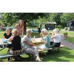 Thumbnail groep bij picknicktafel